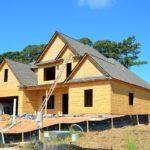 Zgodnie z bieżącymi kodeksami nowo konstruowane domy muszą być gospodarcze.